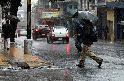Anuncian domingo con precipitaciones
