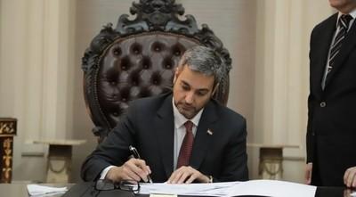Mario Abdo destituye al comandante y subcomandante de la Policía Nacional