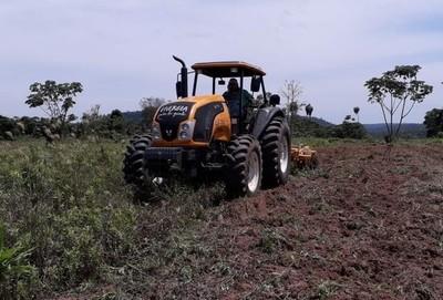 Itaipú recibirá ofertas para compra de 30 tractores e implementos agrícolas