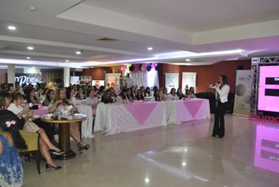 """""""Tu marca eres tú"""" reúne a  más de 300 mujeres en CDE"""