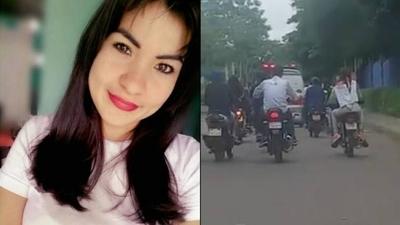 HOY / Triste despedida a Lidia: sin coche fúnebre y sin autoridades presentes