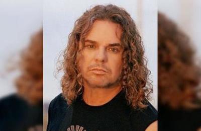 'Casi muere': la complicada cirugía estética que dejó irreconocible al vocalista de Maná