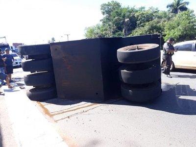Accidente en Itauguá: Conductor de aplanadora dio positivo al alcotest