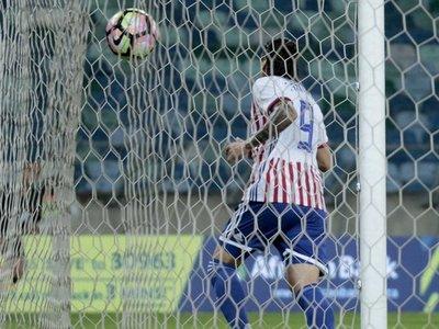 El gol de Santander en el empate de Paraguay