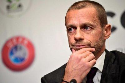 UEFA no descarta aplicar el VAR