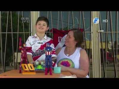 Niño vende sus juguetes para ir a la gran final