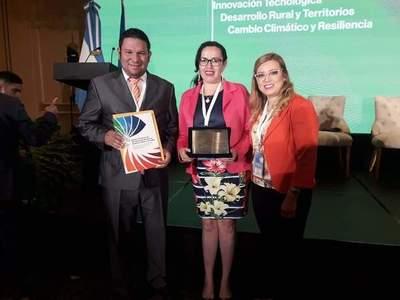 Municipalidad de Yhú logra premio internacional – Prensa 5