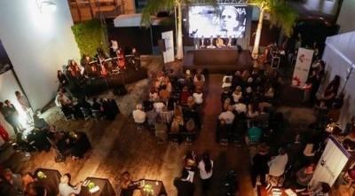 """HOY / Premiarán a a gestores culturales en los """"Premios Óscar Trinidad"""""""