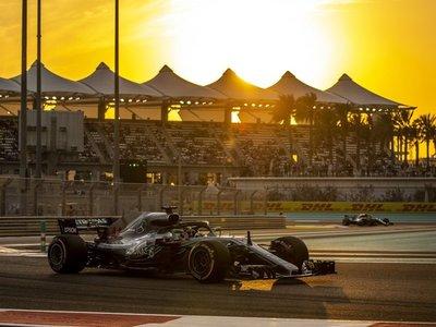 Hamilton vuela y Mercedes copa la primera fila