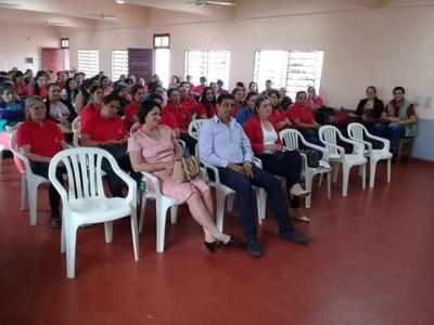 Capacitan sobre la autoestima a mujeres líderes del Departamento de Itapúa