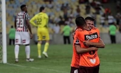 HOY / Paranaense asalta el Maracaná y espera en la final a un rival colombiano