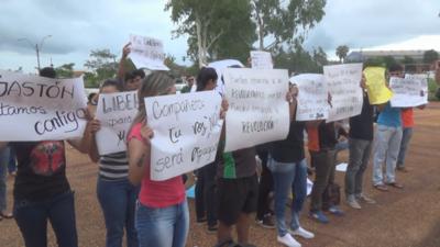 Universitarios exigen la libertad de compañero preso