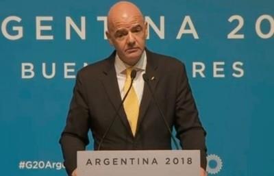 Presidente de la FIFA sobre la final River-Boca en España: