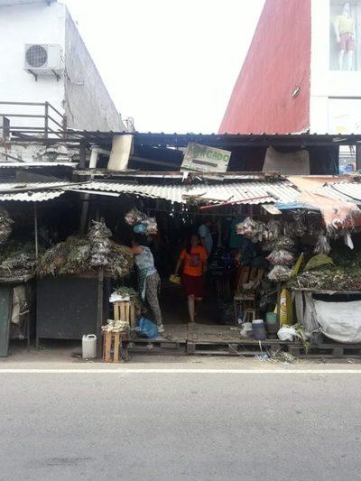 Mercado: Amenazan con ocupar la calle Gral. Caballero
