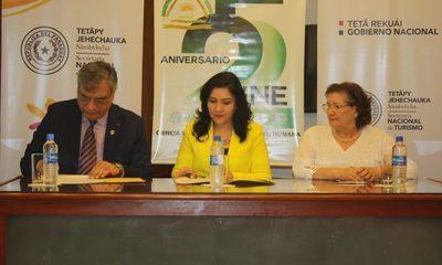 UNE y SENATUR firman convenio para potenciar el desarrollo turístico en Alto Paraná