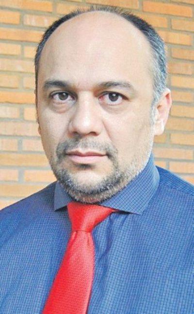 Viceministro plantea la creación de un seguro médico nacional de salud
