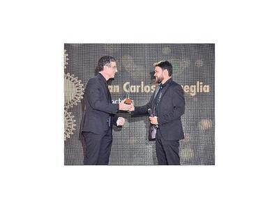Actores y cineastas, premiados en gala del cine paraguayo