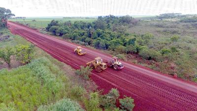Avanzan trabajos de pavimentación de ruta que une Yguazú con Mcal. López
