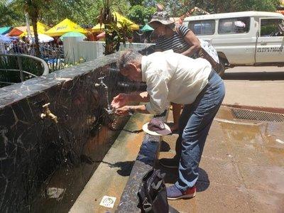 Abuelo caminó cuatro horas para cumplir su promesa a la Virgen de Caacupé