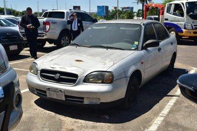 Retiraron vehículo que permaneció 6 años estacionado en el aeropuerto