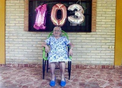 Lúcida y fuerte a sus ¡103 años!