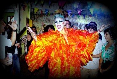 Una fiesta y circo con las drag queens