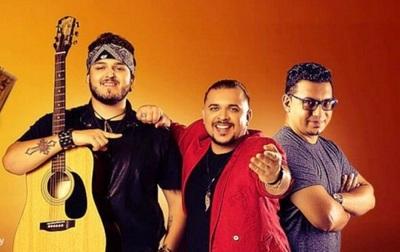 Artistas rinden tributo a Perla en Festival del Vapor Cué