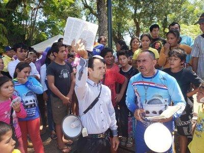 Evangélicos y católicos se enfrentaron en Caacupé