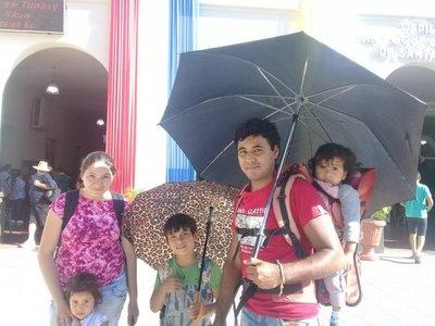 Peregrinar hasta Caacupé es una costumbre familiar
