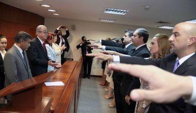 Juran nuevos agentes fiscales y defensores públicos