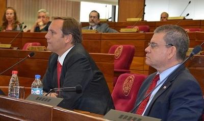 López Moreira negó conocer actividad de Messer pero lo acompañó en viaje