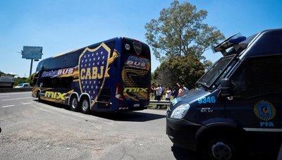 Boca Juniors regresa a Argentina en silencio