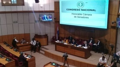 """""""Alguien miente"""" a comisión"""