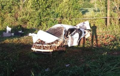 Tres jóvenes esteños mueren tras brutal vuelco de vehículo