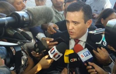 """MEC pide denunciar aportes """"voluntarios"""""""