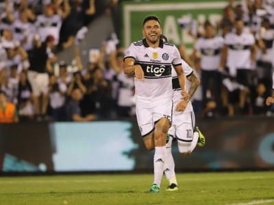 Jorge Ortega extiende su contrato con Olimpia