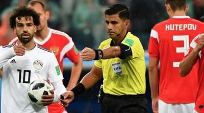 Enrique Cáceres se retira del arbitraje