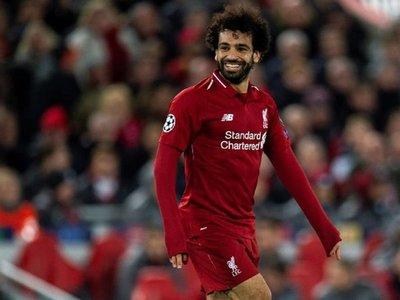 Van Dijk, Alisson y un imperial Salah meten al Liverpool en octavos