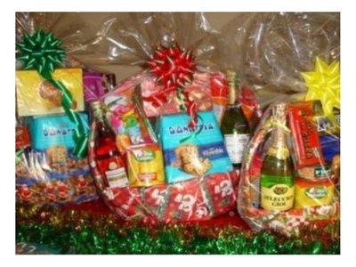 Ladrón robó canastas navideñas y dejó a 11 sin sidra y pan dulce
