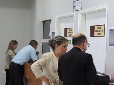 Piden sumario y suspensión de concejal Bartola Fernández