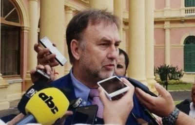 """""""Yo creo que el ministro Julio Mazzoleni va a llevar a buen puer ..."""