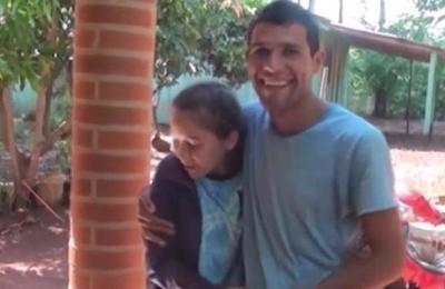 Un joven conoce a su madre después de 25 años