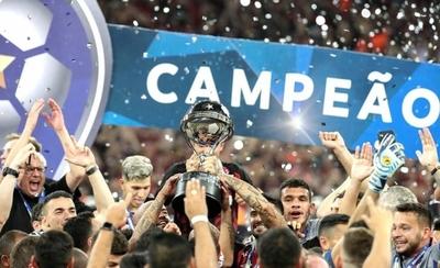 HOY / Paranaense levanta su primera Sudamericana tras sufrir en los penales
