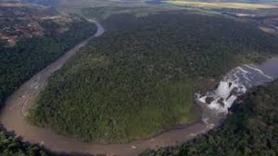 Senatur presenta plan de turismo fluvial  para el lago Yguazú y río Monday