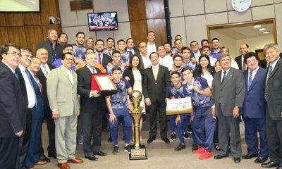 Diputados reconocen a campeones mundiales de fútbol de salón