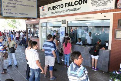 No existen multas para los paraguayos que ingresen al país con cédula vencida