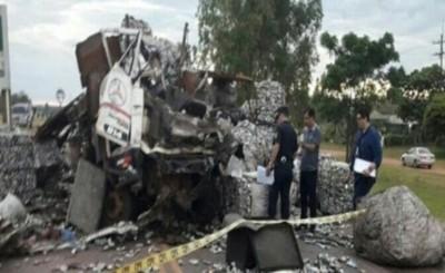 Choque de camiones deja un fallecido