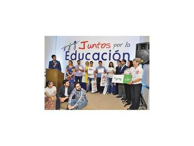 Premiaron a estudiantes por cortos sobre educación pública