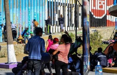 Niña muere tras ser detenida por patrulla fronteriza de EEUU