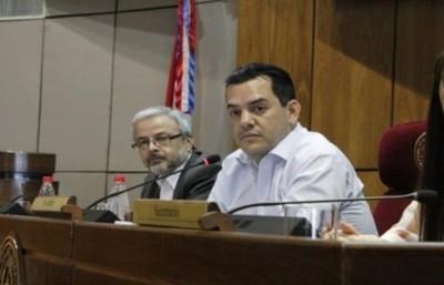 Caso Messer: Comisión no enviará preguntas por escrito a Cartes y Friedmann admite que la condición de senador vitalicio del exmandatario